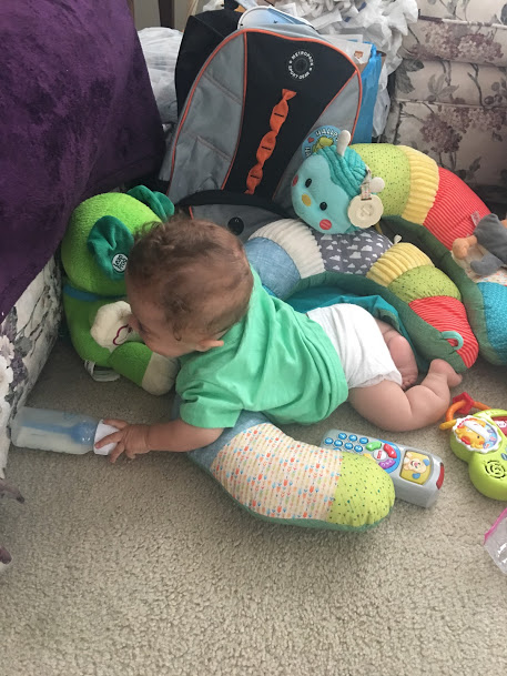 Prop-a-pillar for baby